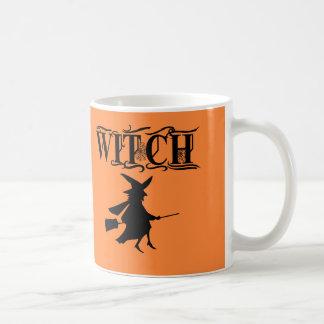 魔法の飛んでいるな魔法使いの黒のタイポグラフィハロウィン コーヒーマグカップ