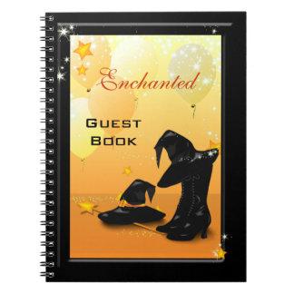 魔法使いのハロウィンの魅惑的な魔法使いのパーティーのゲスト ノートブック