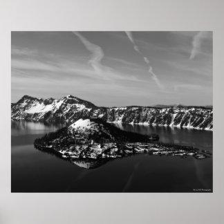 魔法使いの島- crater湖N.P. ポスター
