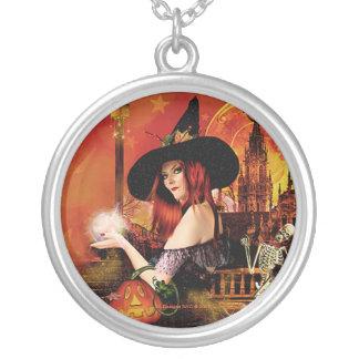 魔法夜魔法使いの円形の銀製の吊り下げ式のネックレス シルバープレートネックレス