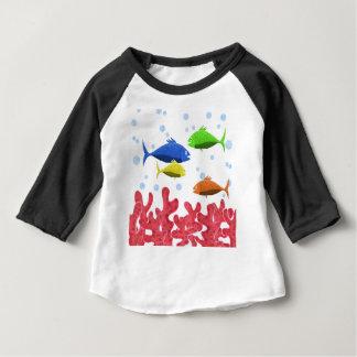 魚および珊瑚 ベビーTシャツ