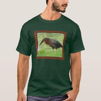 魚のワイシャツを持つ緑の鷲 Tシャツ