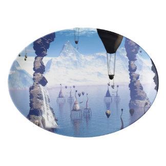 魚の家およびツェッペリン型飛行船とのファンタジーの景色 磁器大皿