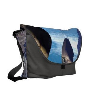 魚の家とのファンタジーの景色 メッセンジャーバッグ