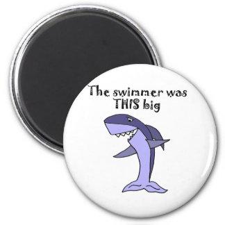 魚の物語を告げているおもしろいな鮫 マグネット