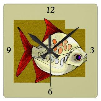 魚の設計柱時計