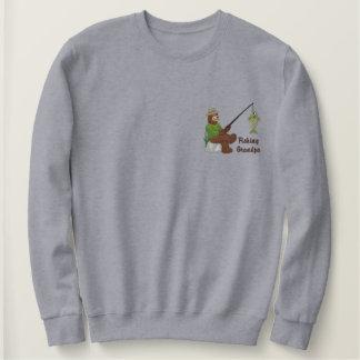 魚釣りの祖父くま 刺繍入りスウェットシャツ