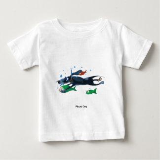 魚類犬 ベビーTシャツ