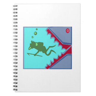 鮫の歯の攻撃のグラフィックのギフトという危険があるダイバー ノートブック