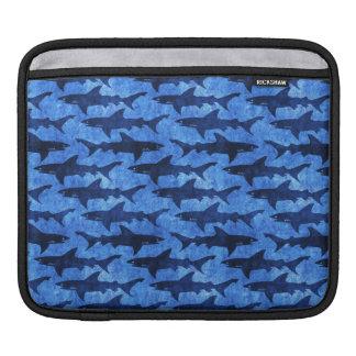 鮫の青パターンの学校 iPadスリーブ