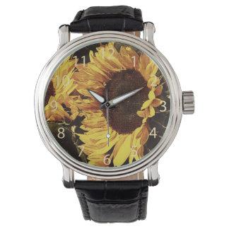鮮やかで黄色いヒマワリ 腕時計