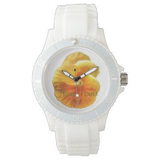 鮮やかなオレンジパンジーの植物の自然 腕時計