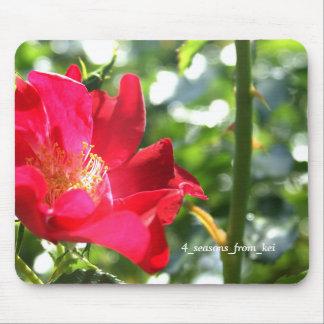 鮮やかな真っ赤な薔薇☆バージョン2☆ マウスパッド