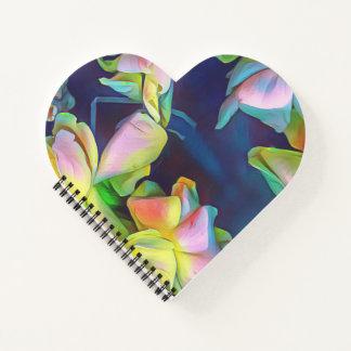 鮮やかな花のハートの形の螺線形ノート ノートブック