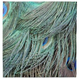 鮮やかにクジャクによって斑点を付けられる羽 ナプキンクロス