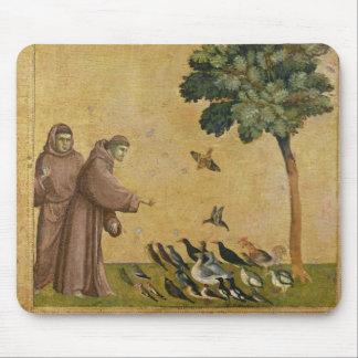 鳥に説教するAssisiのSt Francis マウスパッド