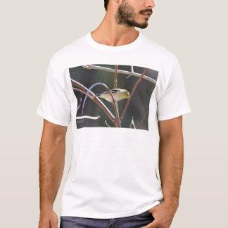 鳥のアメリカのGoldfinchの自然 Tシャツ
