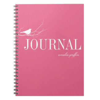 鳥はツリーブランチのピンクのカスタムジャーナルでとまりました ノートブック