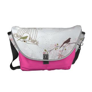 鳥籠および桜はピンクを袋に入れます クーリエバッグ