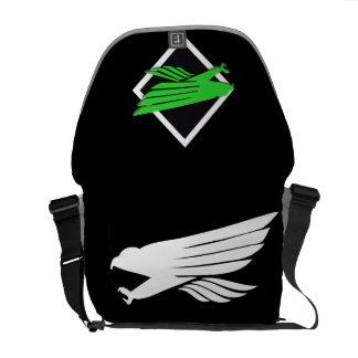 《鳥》ハヤブサのバッグ メッセンジャーバッグ