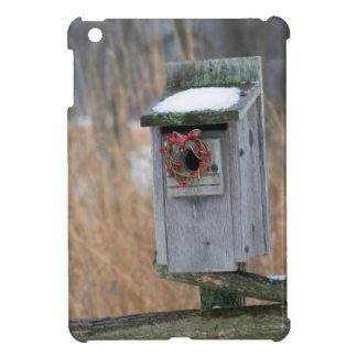 鳥、冬の休日のリースが付いている巣箱 iPad MINIケース