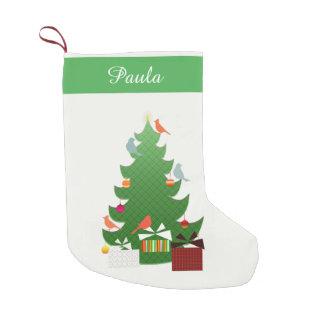 鳥、木およびプレゼントとの森林クリスマス スモールクリスマスストッキング