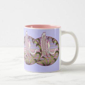 鷲の日没の薄暗がりのマグ ツートーンマグカップ