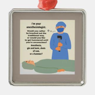 麻酔医は槌で打たれて得ます メタルオーナメント