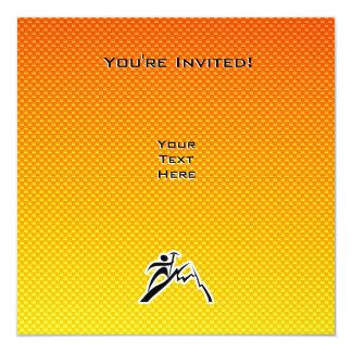 黄橙色山の登山 カード