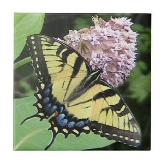 黄色いアゲハチョウの蝶装飾的なタイル タイル