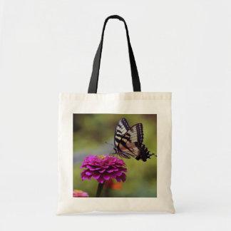 黄色いアゲハチョウの蝶 トートバッグ
