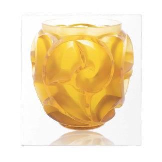 黄色いアールデコの渦巻のつぼ ノートパッド