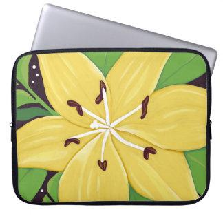 黄色いイースター・リリーのデジタル絵画の箱 ラップトップスリーブ