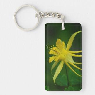 黄色いオダマキ(植物) (細胞のph#の背部を加えて下さい) キーホルダー