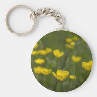黄色いキンボウゲの花 キーホルダー