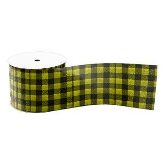 黄色いギンガムによって市松模様にされるパターンバーラップの一見 グログランリボン