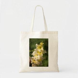 黄色いグラジオラスの花のスパイク トートバッグ
