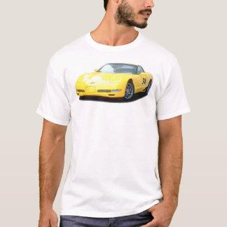 黄色いコルベットZ06のレースカー Tシャツ