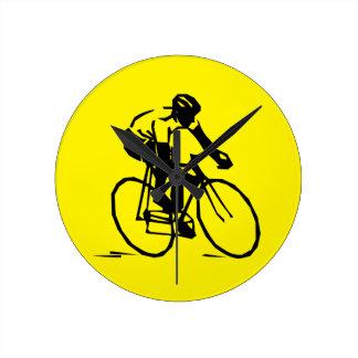 黄色いサイクリング ラウンド壁時計