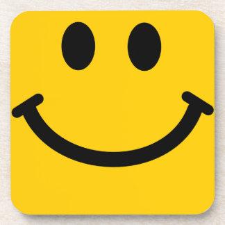 黄色いスマイリーフェイスの正方形のコースター コースター