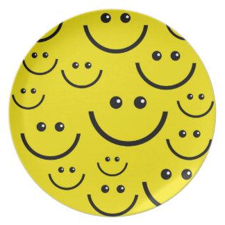 黄色いスマイリーフェイス面板 プレート