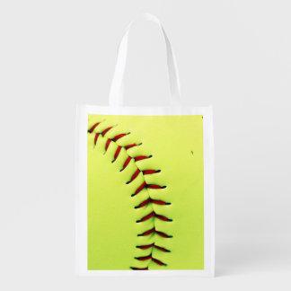 黄色いソフトボールの球 エコバッグ