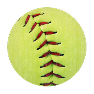 黄色いソフトボールの球 カッティングボード