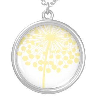 黄色いタンポポのネックレス シルバープレートネックレス