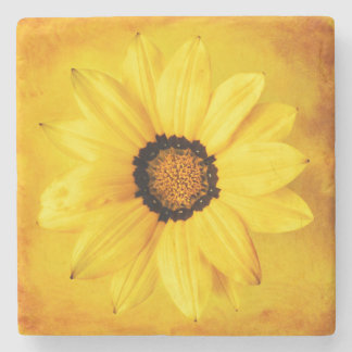 黄色いデイジーの花のクローズアップの花柄の花 ストーンコースター