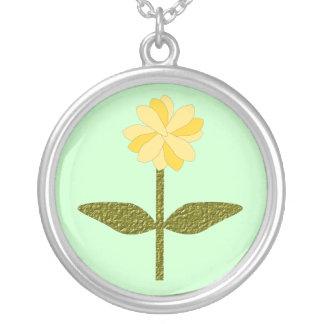 黄色いデイジーの花のネックレス シルバープレートネックレス