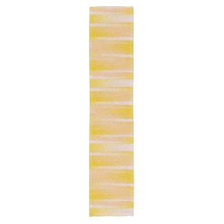 黄色いパターンテーブルのランナー ショートテーブルランナー