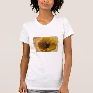 黄色いファンタジーの花のTシャツ Tシャツ