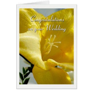黄色いフリージアの結婚式の招待状 カード