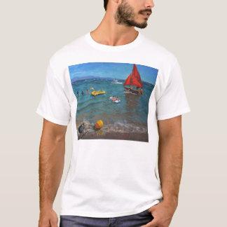 黄色いブイおよび赤の帆Abersoch Tシャツ